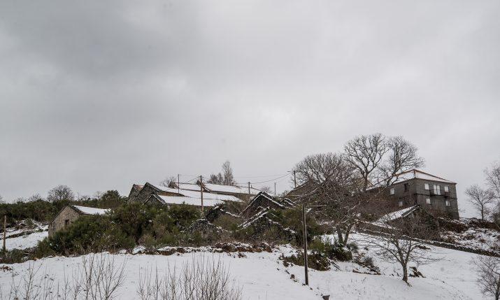 Neve em Castro Laboreiro e Porta de Lamas  (8)
