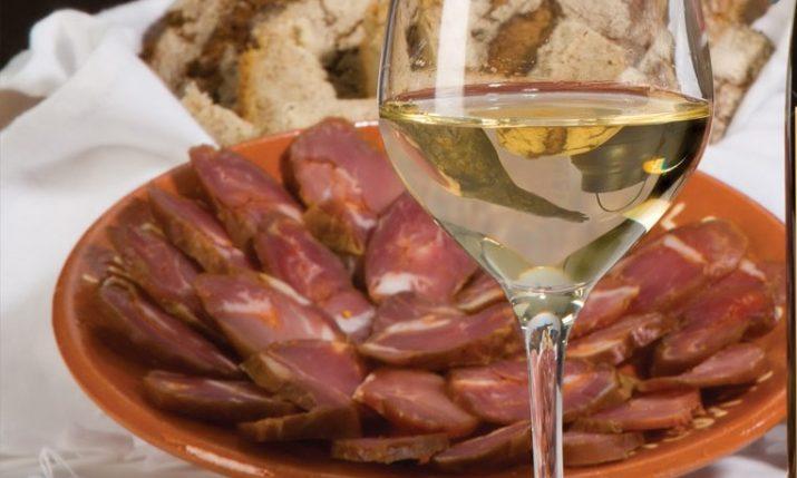 vinho e chouriço